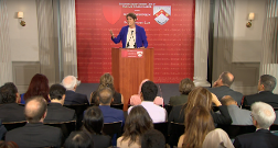 Tracy Speaking At Harvard